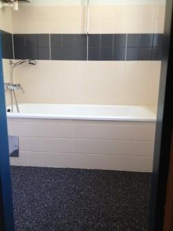 Natursteinteppichverlegung + Fliesen- und Badewannenbeschichtung